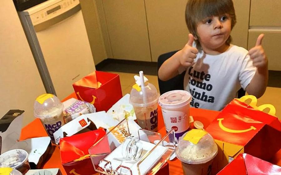 Leuke verhaaltjes: 'Doe maar 6 Happy Meals en 10 milkshakes!'